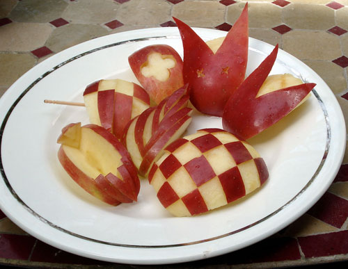 Apple bunnies and more decorative apple cutting - How to slice strawberries for decoration ...