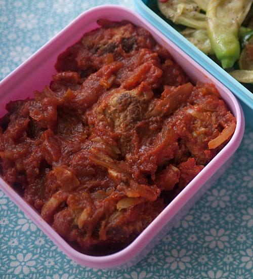 crunchy_meatballs_tomato_sauce.jpg