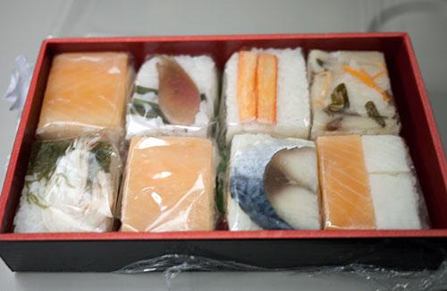 ekiben-matsumoto-sushi.jpg