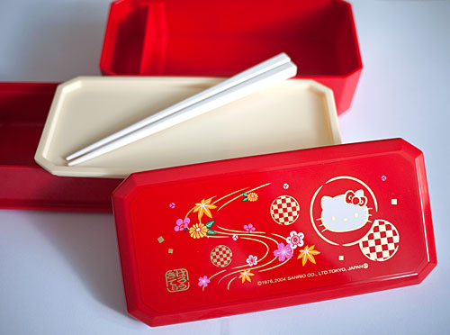 hellokitty-redbentobox.jpg