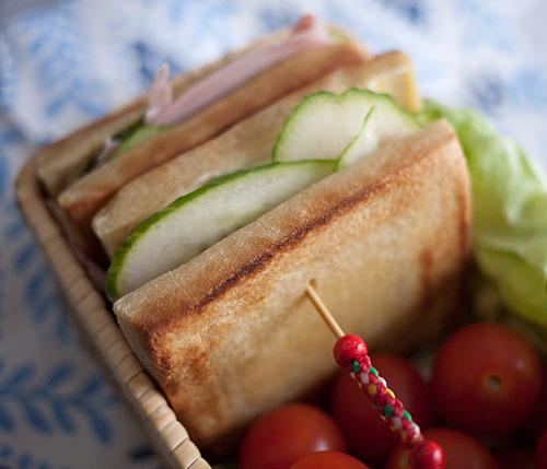 koyadofu-sandwich2.jpg